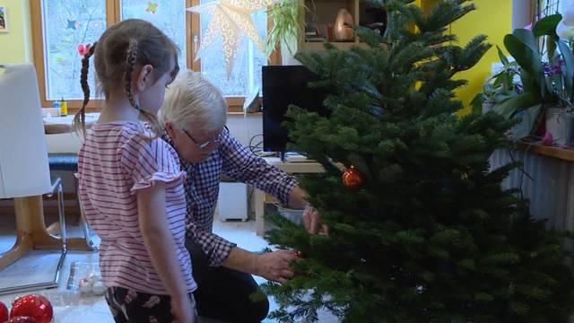 Zu Gast bei der Weihnachtfeier einer 13-köpfigen Grossfamilie