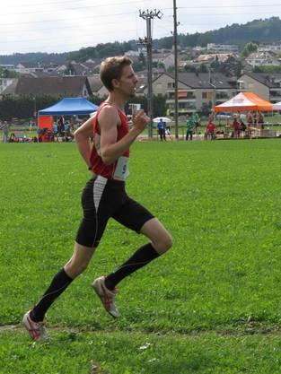 Florian Schweer beim 800m Lauf