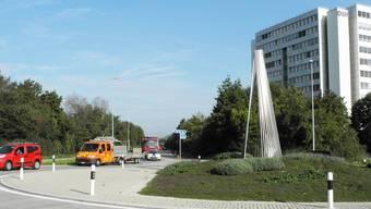 Im Grüngürtel auf der linken Seite des Bildes soll das Parkhaus dereinst entstehen. nbo