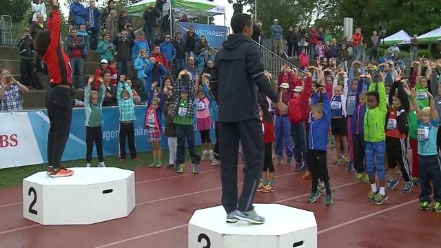 Kinder vergöttern Leichtathletik-Stars in Aarau