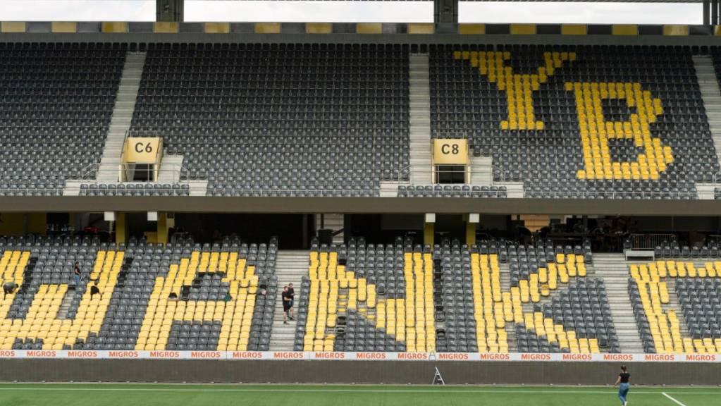 Der neue Name des Stadions ist unübersehbar.