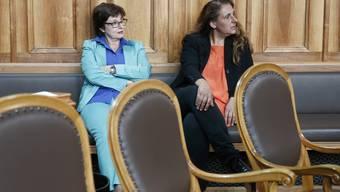 Jacqueline Badran (SP, rechts) scheitert mit ihren zwei Vorstössen zur Verschärfung der «Lex Koller» am Ständerat. Neben ihr SP-Nationalrätin Anita Fetz.