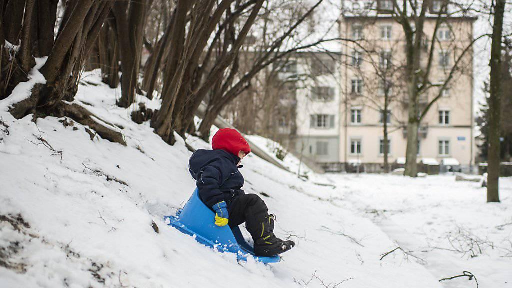 Schneefall bis ins Flachland