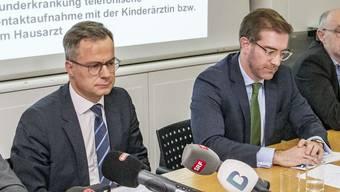Alles unter Kontrolle: Regierungssprecher Marco Greiner (links) an einer Coronamedienkonferenz mit Conradin Cramer.