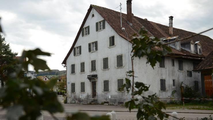 Ein Komitee will den Verkauf des «Alten Bären» verhindern. Die Dietiker Firma Ehrat war jedoch bereits im September der Meinung, sie habe das Gebäude gekauft.