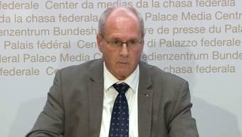 Andreas Stettbacher, Delegierter des Bundesrates für den Koordinierten Sanitätsdienst: Kapazität der Intensivbetten könnte in 10 Tagen erschöpft sein. (27.10.2020)