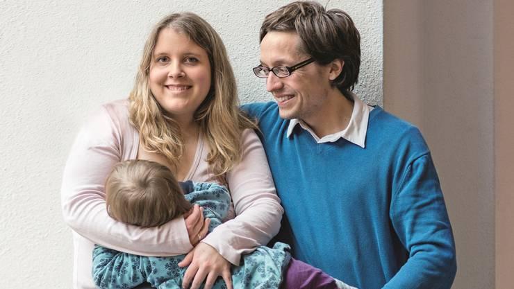 Jasmin und Thomas Heierli mit ihrer zweijährigen Tochter Olivia.