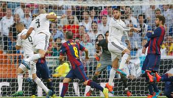 Pepe (3) erzielt per Kopf den Führungstreffer für Real Madrid.