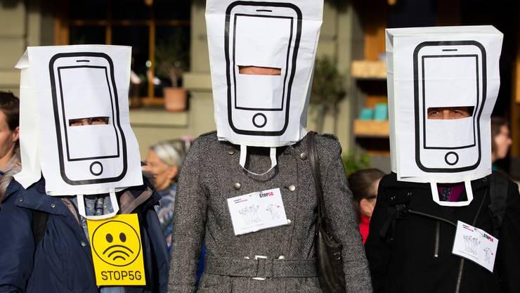 2020 dürfte das Jahr der 5G-Diskussionen werden. Demonstranten bei der Kundgebung «Stop 5G» im Mai 2019 in Bern.