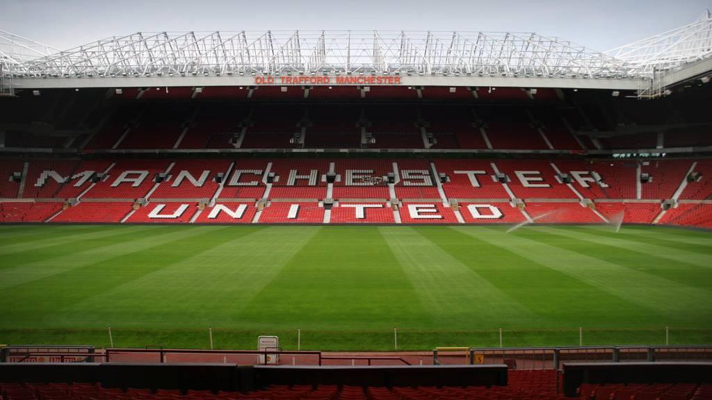 Stadion geräumt: Bombenattrappe im Old Trafford vergessen