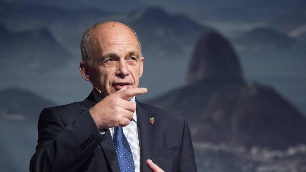 SVP-Bundesrat Ueli Maurer will Grenzen mitunter schliessen lassen.