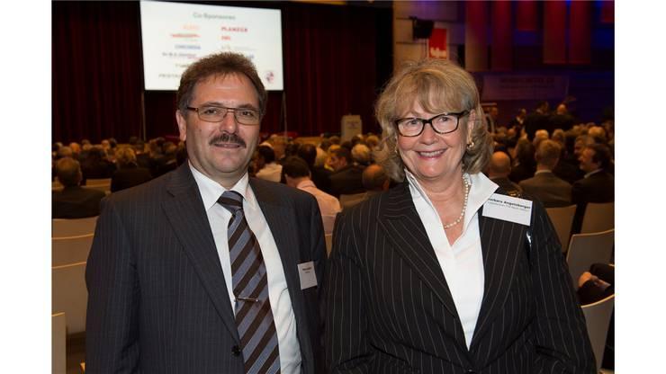 Peter Landolt (ZKB Dietikon) und Barbara Angelsberger (Vizepräsidentin FDP Bezirk Dietikon)