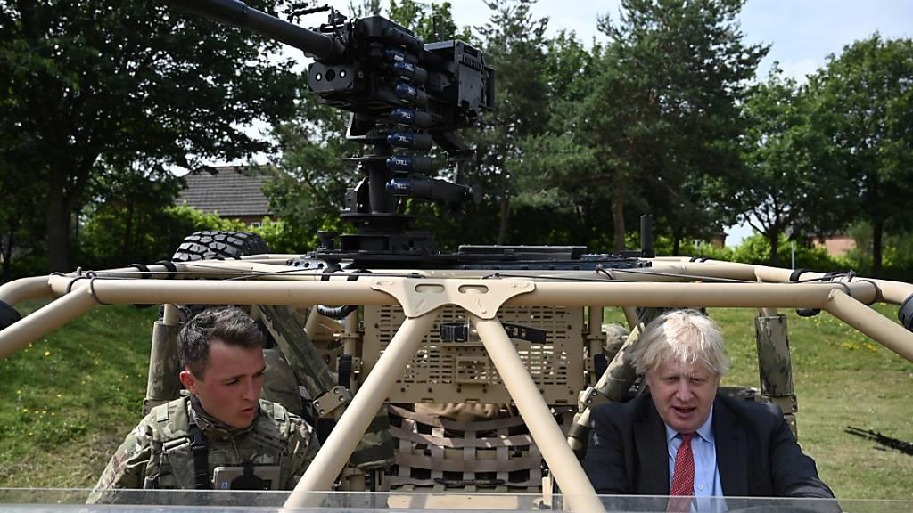 Johnson verteidigt Kurs von Kriegsschiff «HMS Defender»