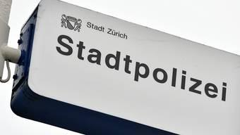 Die Stadtpolizei Zürich verhaftete am Freitagmorgen einen Dieb.