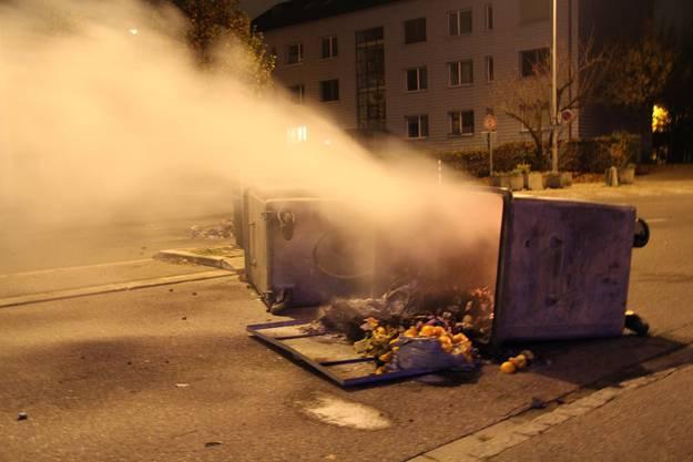 Container brannten
