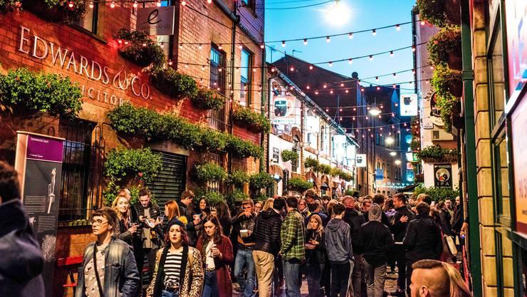 In der Altstadt von Belfast treffen sich die Nachtschwärmer. Bild: Elaine Hill Photography