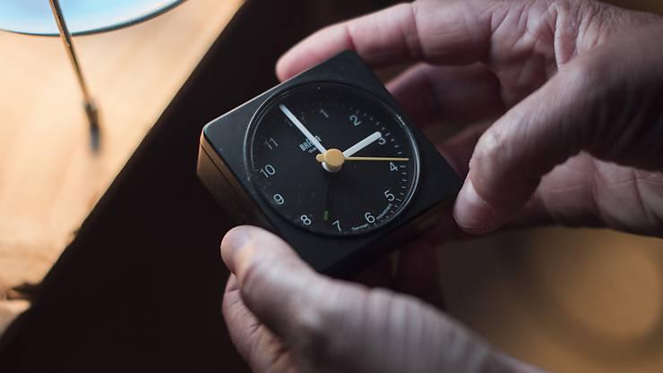Am Sonntag ist es wieder so weit: Die Uhr wird in der Nacht auf Sonntag von zwei auf drei Uhr gestellt.