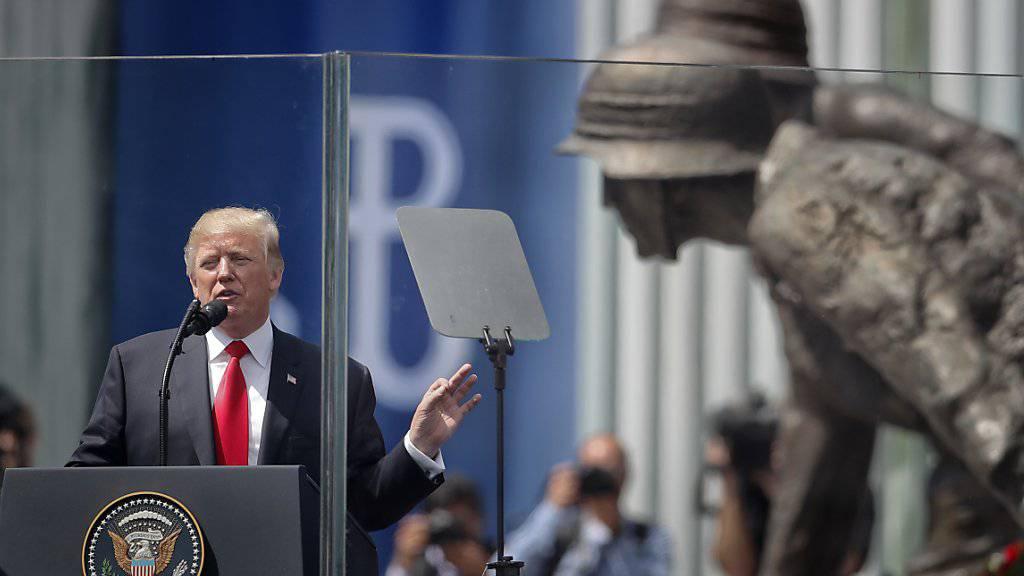 US-Präsident Donald Trump vor dem Zweit-Weltkriegsdenkmal auf dem Krasinski-Platz in Warschau