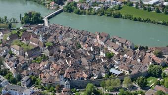 Höhenflug: Die Rheinfelder leben gerne in ihrer Stadt. 83 Prozent besuchen mindestens einmal pro Monat die Schwesterstadt – zum Einkaufen.