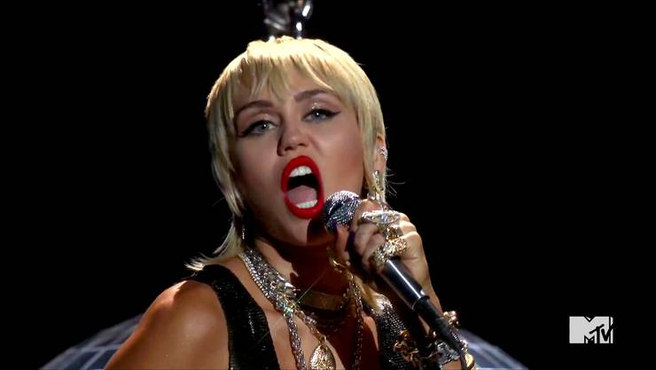 Miley Cyrus singt «Midnight Sky» aus ihrem neuen Album während den MTV Video Music Awards.