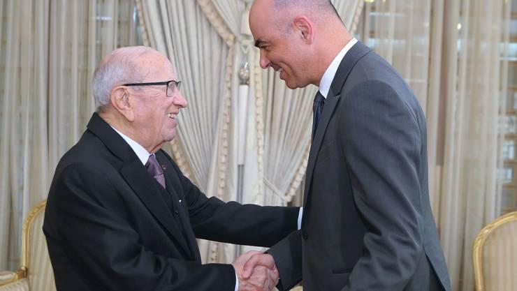 Bundesrat Alain Berset im Gespräch mit dem tunesischen Präsidenten Beji Caid Essebsi im Präsidentenpalast in Karthago bei Tunis.