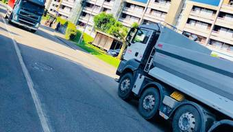 Verkehr auf der Staufbergstrasse ärgert die Anwohner. (Archiv)