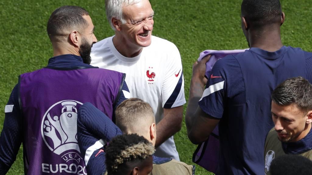 Frankreichs Nationaltrainer Didier Deschamps konnte gutgelaunt an die zweite EM-Aufgabe herangehen