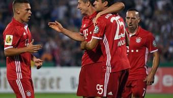 Robert Lewandowski zeichnete sich für Bayern München als dreifacher Torschütze in Jena aus