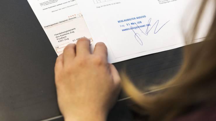 Bei den Handelsregistern - im Bild jenes In Zug - sind letztes Jahr so viele neue Firmen eingetragen worden wie noch nie.