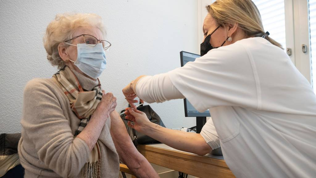 Kantonsspital Baden fordert mit Blick auf die dritte Welle: «Spitalpersonal first» bei der Impfung