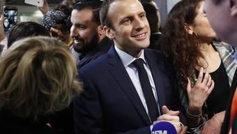 Die Affäre um seinen Ex-Sicherheitsmann ist zumindest bis anhin nicht eskaliert. Die Mehrheit der französischen Nationalversammlung stellte sich am Dienstag hinter Präsident Emmanuel Macron.