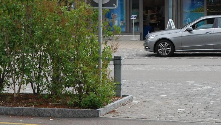 Ein weiteres Auto wurde im Verlaufe des Sonntags in Wettingen auf einem Parkplatz gefunden (Symbolbild)