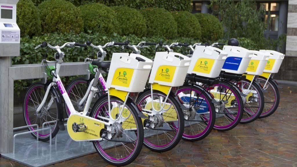 Mehr E-Bikes, mehr Unfälle: Die Velobranche wehrt sich gegen die Dramatisierung der Unfälle mit E-Bikes.
