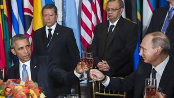 US-Präsident Barack Obama und Russlands Staatschef Wladimir Putin sind am Rande der UNO-Vollversammlung zu einem bilateralen Gespräch über Syrien und den IS getroffen.