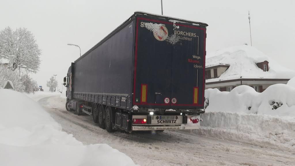 Wintereinbruch: Ostschweizer kämpfen mit Schneemassen