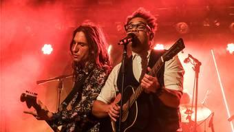 Sie testen, wie die teilweise noch nie gehörten Songs ankommen: Marc Sway und Gitarrist Jeremy Baer (l.), der in Brugg aufgewachsen ist.