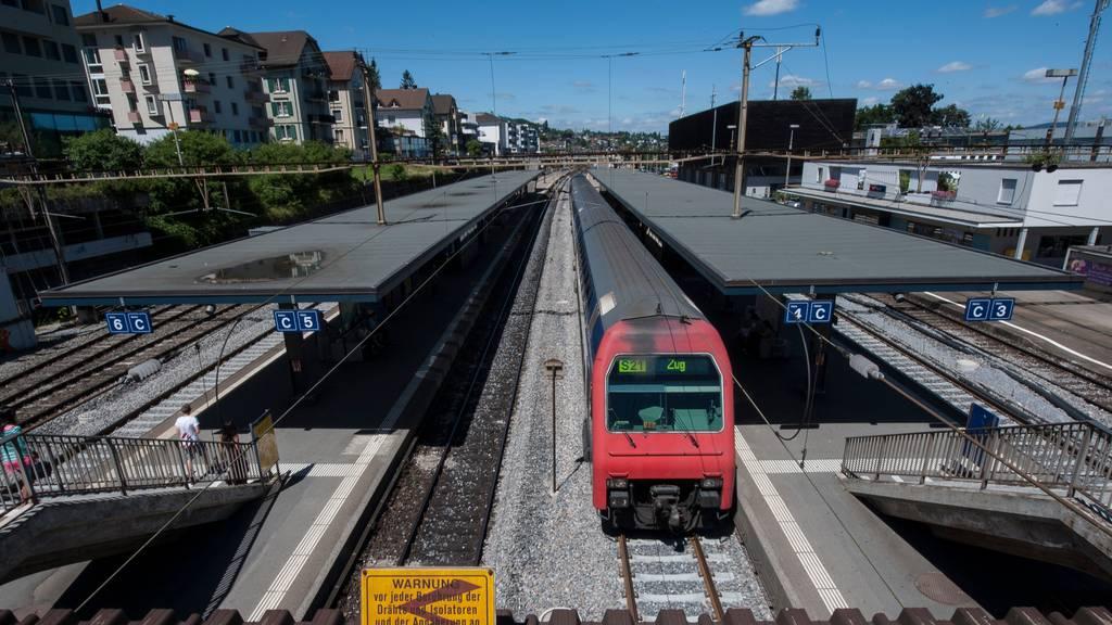 Die in Thalwil von einem Zug erfasste Frau ist gestorben