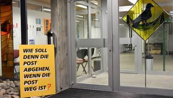 Protestaktion in Dulliken, wo die Post ebenfalls eine Agenturlösung als Alternative zur Poststelle etablieren will.