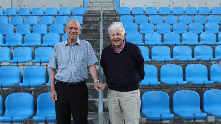 Frédéric Falbriard (links) und Silvio Ferrari auf der Tribüne des Grenchner Fussballstadions.