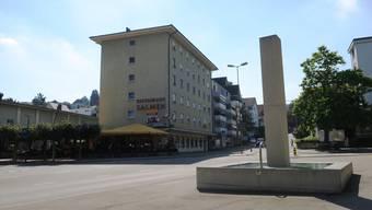 Die Stadt möchte den «Salmen» mieten, bis der neue Stadtsaal im Zentrum steht – vorerst soll der Vertrag bis 2022 laufen.