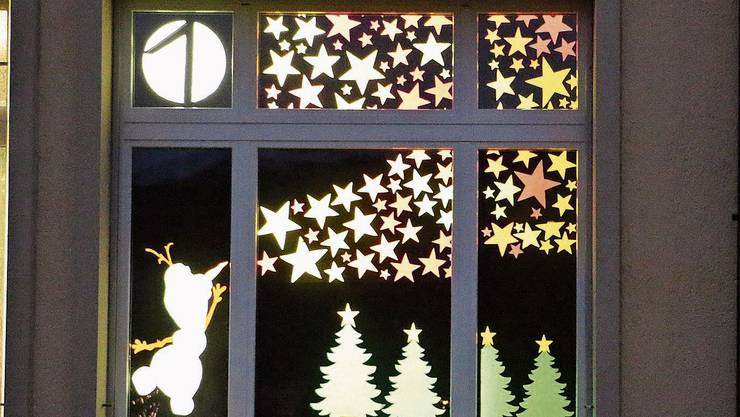 Am 1.Dezember enthüllte die Primarschule Frick ihr erstes Adventsfenster.
