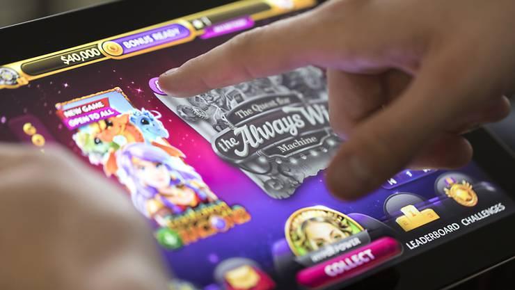 Die Behörden haben erstmals Netzsperren gegen ausländische Geldspiel-Anbieter verhängt. (Archivbild)