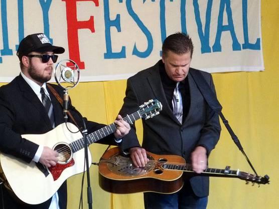 Trey Hensley (Gitarre) und Rob Ickes (Dobro) aus den USA gehören zu den absoluten Superstars der Bluegrass-Szene