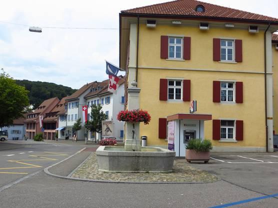 Der Blick auf die Dorfstrasse von Frenkendorf