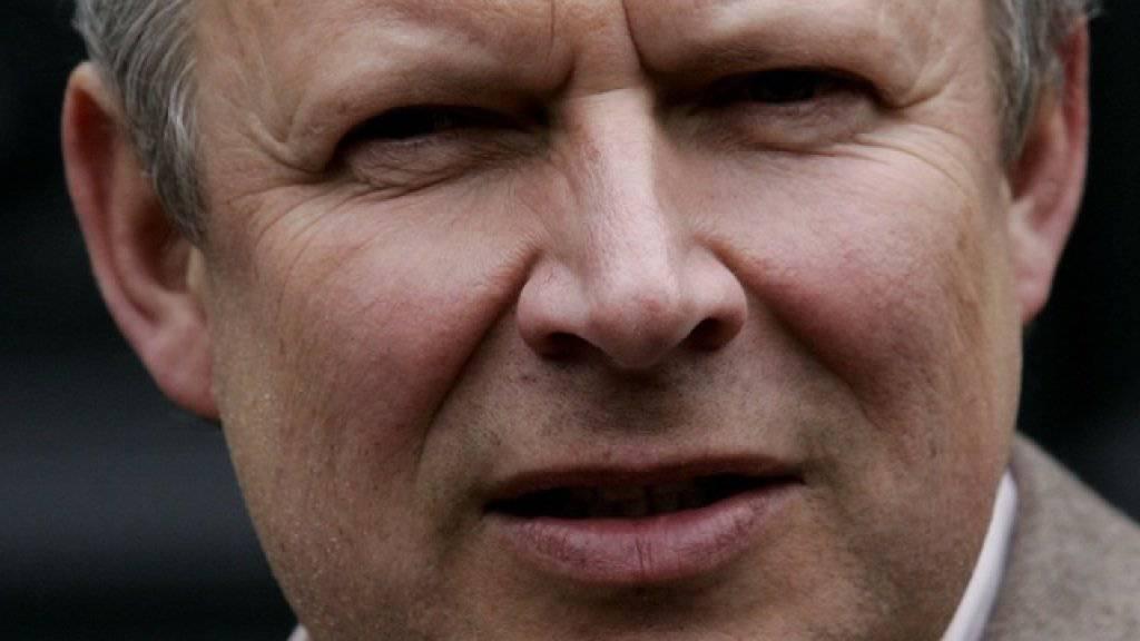Schauspieler Axel Milberg ermittelt als «Tatort»-Kommissar Klaus Borowski neu in Nachbarschaft mit einer Flüchtlingsunterkunft.