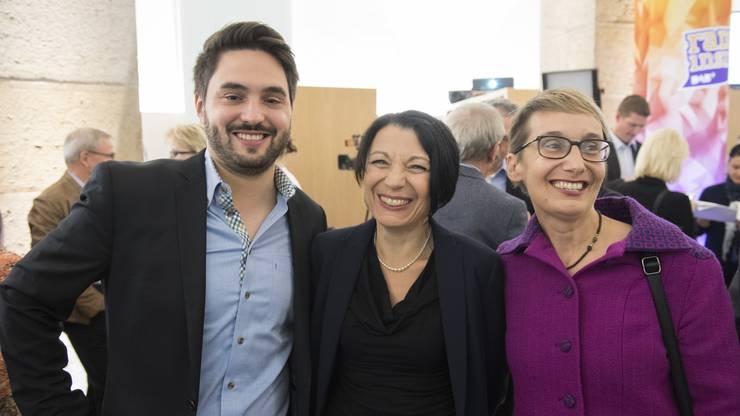 Freuen sich über das Resultat: Cédric Wermuth, Yvonne Feri und Elisabeth Burgener von der SP.