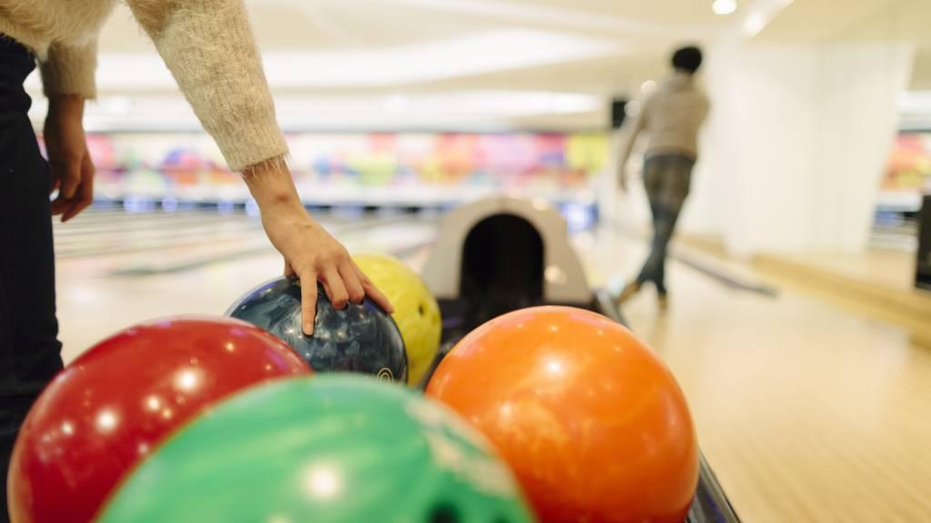 In einem Bowlingzentrum nahe Los Angeles hat es durch Schüsse mehrere Opfer gegeben.