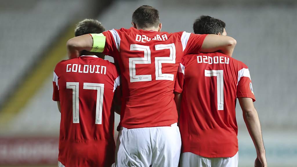 Auch Russland und Polen für die EM qualifiziert