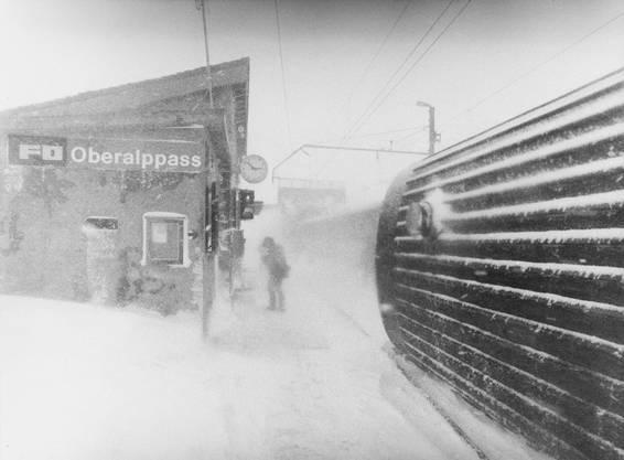 Auf dem Oberalppass entgleisten zwei Züge im März-Sturm.