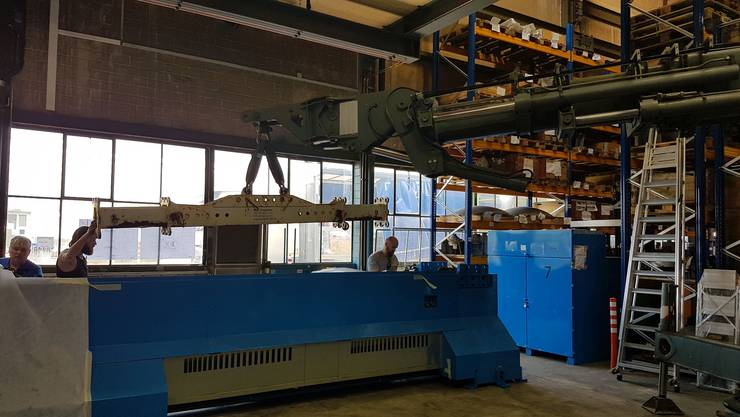 Die neue 3D-Laserschneid-Anlage aus Italien.
